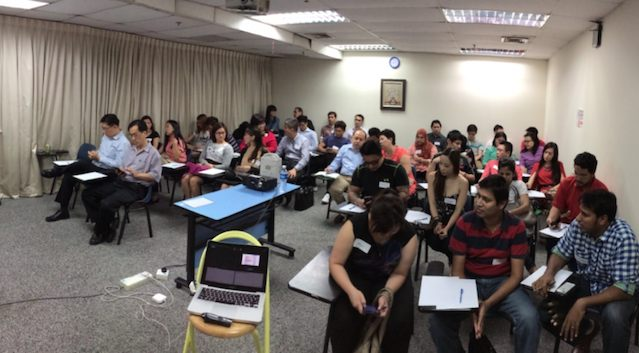 Full-house-internet-marketing-seminar