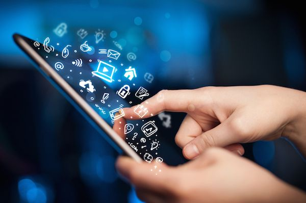 3 reasons why you should outsource mobile app development